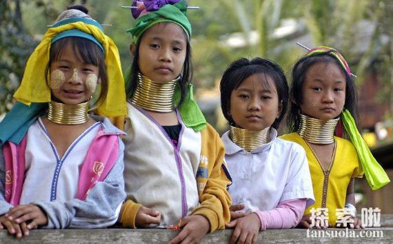 世界上最长的脖子,缅甸长颈族人的脖子,最长达70厘米(图1)