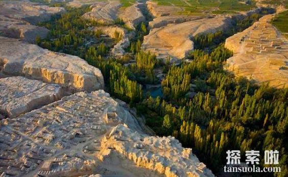 世界上最低的盆地吐鲁番盆地,比海平面还低154米(图4)