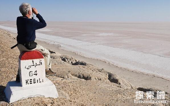 世界上最大的盐湖沙漠:吉利特,最美的沙漠盐湖(图2)