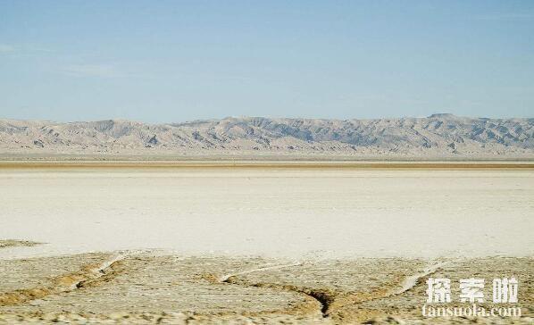 世界上最大的盐湖沙漠:吉利特,最美的沙漠盐湖(图3)