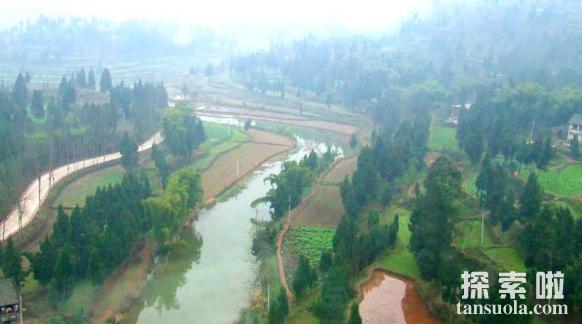 我国的四大盆地,塔里木盆地最大,柴达木盆地最高(图4)