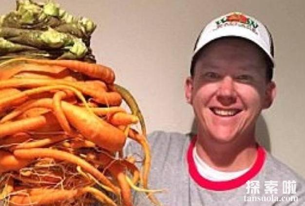 世界上最大的红萝卜,22.4磅的胡萝卜,状如树精(有图为证)