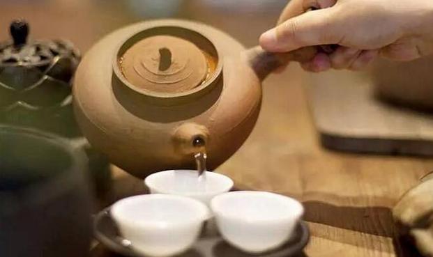 为何香港人把奶茶叫做丝袜,喝茶就似舔丝袜?(图1)