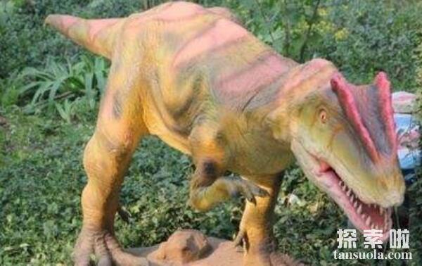 双冠龙:会喷致盲毒液的食肉恐龙,类似喷毒眼镜蛇