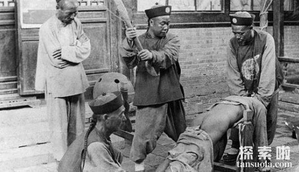 古代刑罚之杖刑:屁股上打板子,揭秘古代杖刑的执行方式