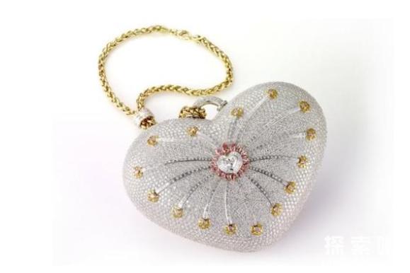世界上最贵的手包:18K纯金打造的钻石心形手包,价值380万美金