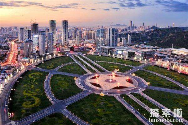 世界上最大的广场:辽宁的星海广场,占地面积达176万平方米