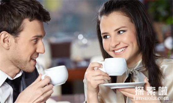 【和喜欢的男生聊天找不到话题了怎么办】女生主动搭讪男神应该聊这些