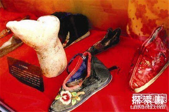 【古代女人裹小脚是什么时候盛行】是谁发明裹脚的?是窅娘吗?