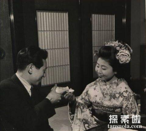 这个日本妓女竟夺走了郁达夫的第一次